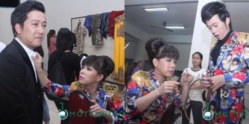 Viet Huong tan tinh cham soc Hoai linh, Truong Giang trong hau truong