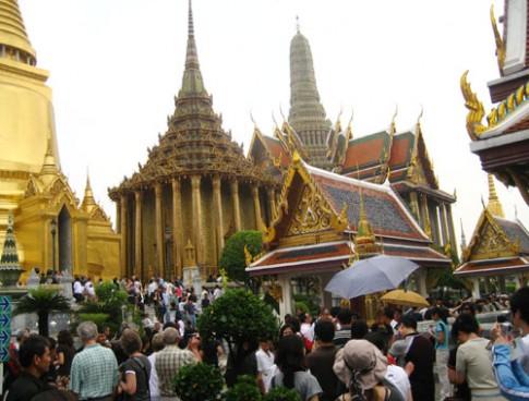 Viet Nam khuyen cao viec dua du khach sang Thai Lan