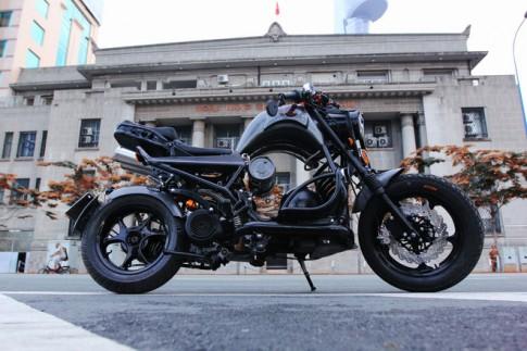 Xe tay ga tự chế siêu độc theo phong cách môtô thể thao