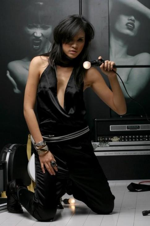 Xu huong 'Glam Rock' voi NafNaf PARIS