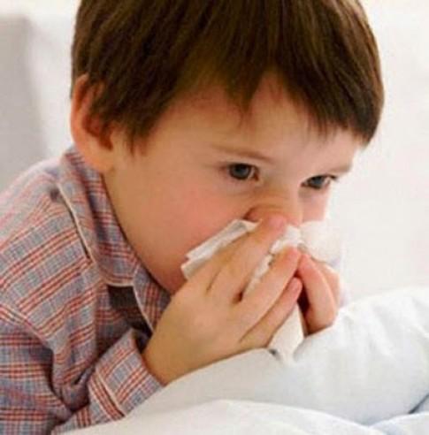 Xử trí khi trẻ khò khè, nghẹt mũi lúc trời lạnh