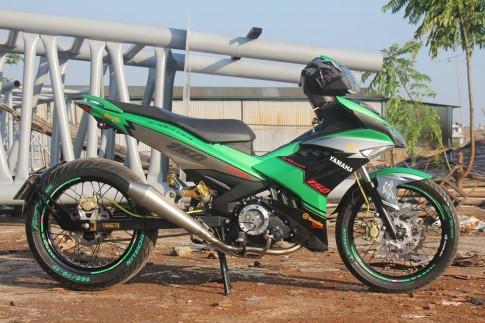 Yamaha Exciter 150 lung linh trong ngày mưa bão