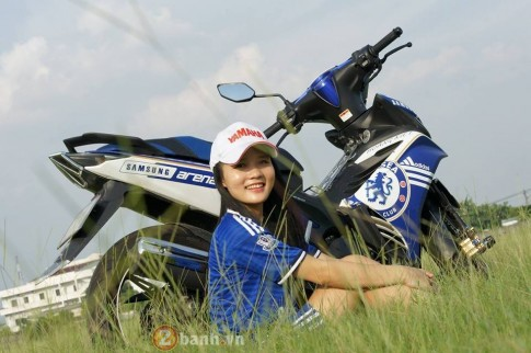 Yamaha Exciter so dang cung co gai xinh dep cua Chelsea