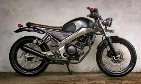 Yamaha FZ150i do phong cach Tracker co dien