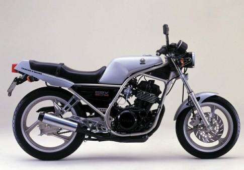 Yamaha SRX250 phong cach Cafe Racer