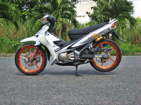 Yamaha Z125 do sieu chat voi loat do choi kieng
