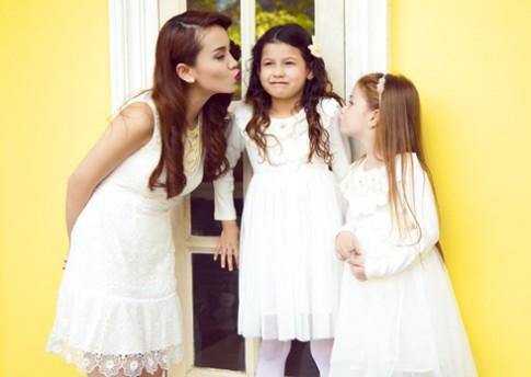 Yến Trang quyến rũ trong váy ren trắng