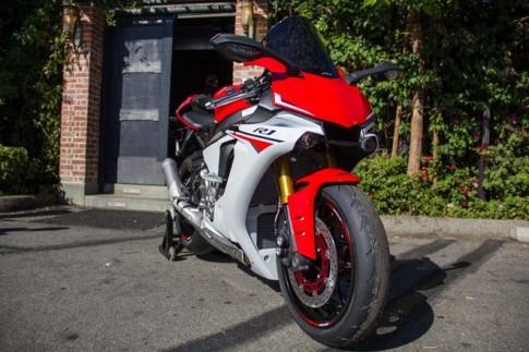 Yeu to gi khien Yamaha R1 2015 duoc san don?