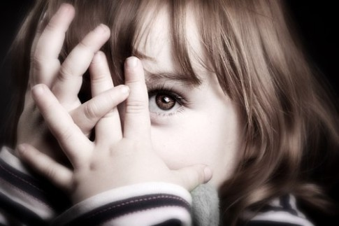5 cách giúp bé hết nhút nhát