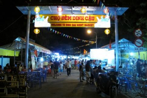 Cho dem Dinh Cau o Phu Quoc se dong cua