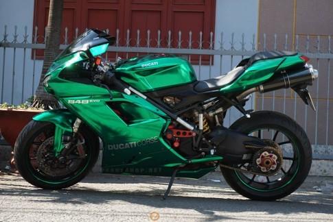 Ducati 848 Evo phien ban xanh Crome bat mat