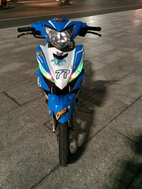 Exciter 135 do theo phong cach hoat hinh Oggy