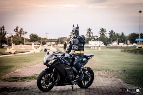 Honda CBR1000RR và Batman trong bộ ảnh đẹp đến từ Thái