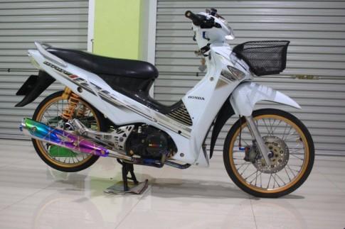 Honda Wave 125i do day chat choi cua biker Thai