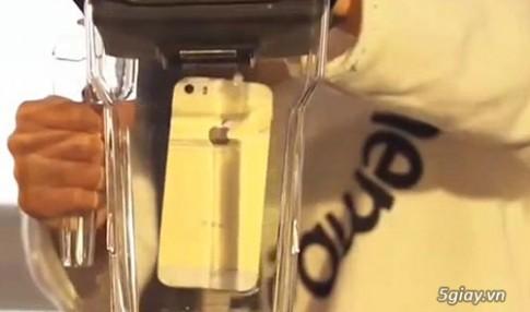 """iPhone 5S bị xay nát trong phiên bản """"Anh không đòi quà 2"""""""