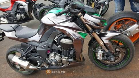 Kawasaki Z1000 đẹp và độc đáo với phiên bản Decal Chrome