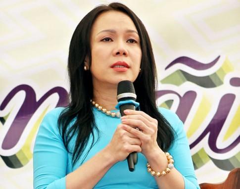 NS hai Viet Huong: 'Cuoi cho nguoi, khoc cho phan minh'