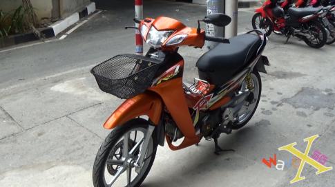 Wave 125R (Future II) cực nổi bật với tone màu cam !!!!!