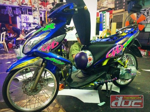 Yamaha luvias do kieng phien ban don giang sinh