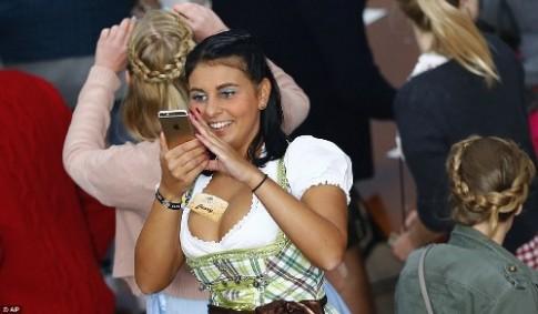 6 trieu khach tham gia le hoi bia Oktoberfest