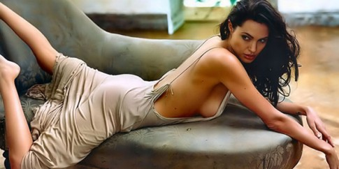 Angelina Jolie dung dau top 10 my nhan goi cam nhat Hollywood