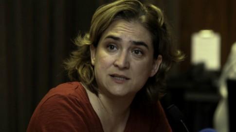 Barcelona phan nan du khach dang huy hoai thanh pho