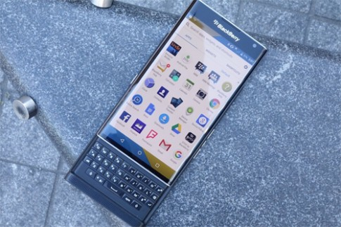 BlackBerry Priv chay Android co gia 18 trieu dong tai Viet Nam