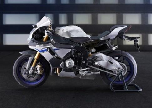 Cung ngam mo hinh Yamaha R1M co ti le 1/5 so voi xe that