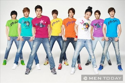 Dien ao pull ruc ro nhu boyband Kpop