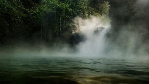 Dòng sông nước sôi mang nhiệt độ tử thần ở Amazon