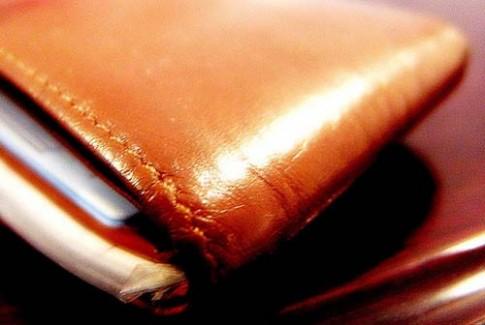 Du khách tìm lại ví sau 30 năm thất lạc
