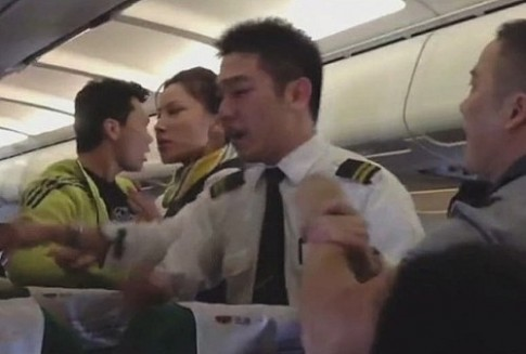 Hàng không Trung Quốc nghiêm khắc với khách thiếu văn minh