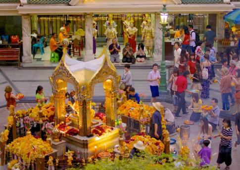 Huyen thoai ngoi den Erawan bi danh bom o Bangkok