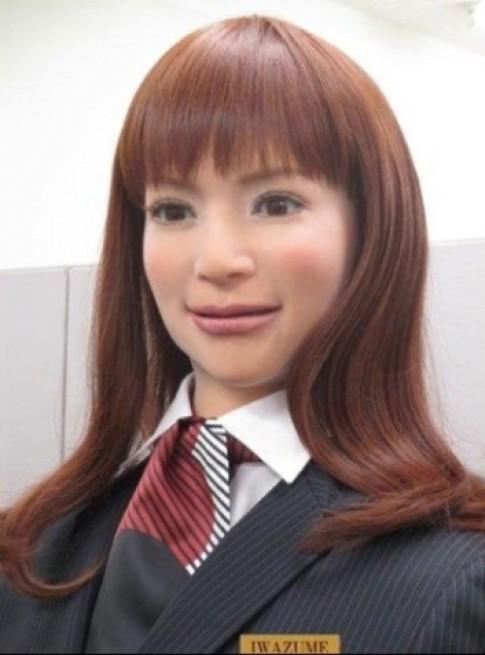 Khach san chi toan robot phuc vu o Nhat Ban