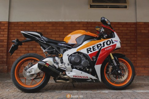 Lai them 1 chiec CBR1000RR MM|93 noi bat tai Sai Gon