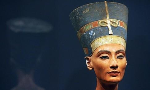 Ly do Nefertiti duoc coi la nu hoang dep nhat Ai Cap