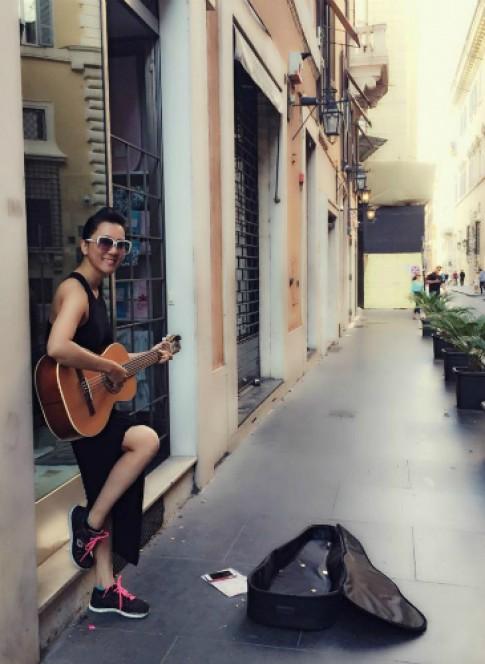 MC Kỳ Duyên bị mất cắp khi du lịch Italy