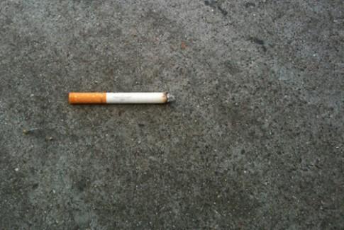 Một điếu thuốc lá vứt đi giá 300 euro ở Italy