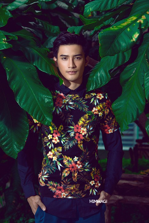 Mr Asia 2012 Ruj Apiwat Seelawong: Rực rỡ áo hoa