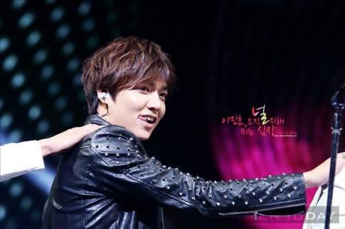 Ngam phong cach thoi trang cua Lee Min Ho trong concert dau tien