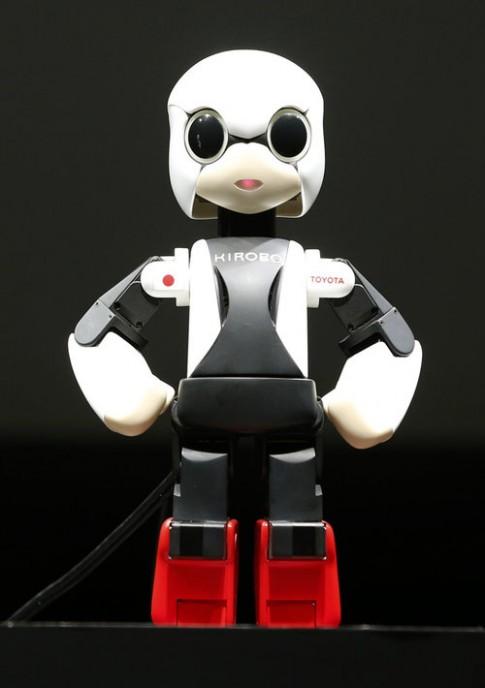 Nhật Bản đưa robot biết nói vào vũ trụ