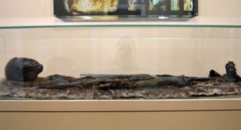 Những thi thể bọc đồng bí ẩn ở Siberia