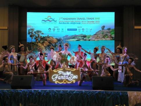 Phuket tỏ chúc triẻn lãm du lịch quy tụ 50 nuóc tren thé giói