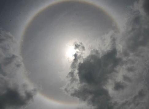 Quầng mặt trời xuất hiện ở Lào Cai