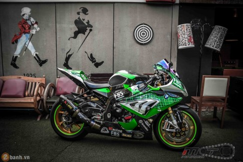 R 14/2 20h [PKL] BMW HP4 day phong cach voi ban do Green Racing Performance