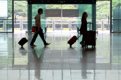 Singapore se quet dau van tay khach nhap canh