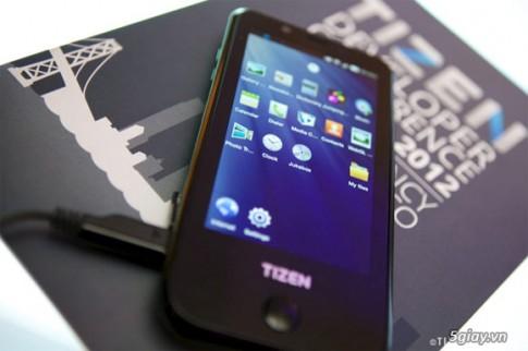 Smartphone Tizen cua Samsung bi 'ep' ra mat dau nam sau