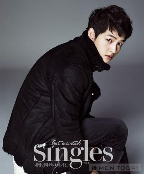 Song Joong Ki khoe ve nam tinh tren tap chi