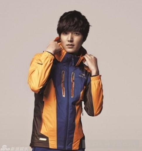 Tham khao trang phuc da ngoai tu Lee Min Ho