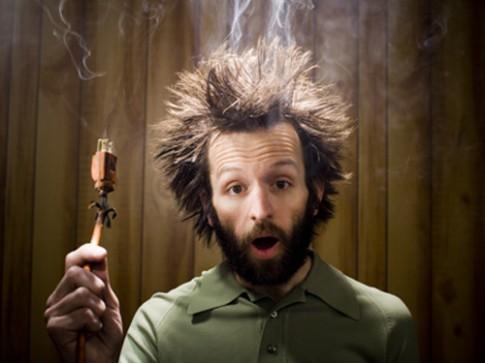 Tóc người có dẫn điện không?